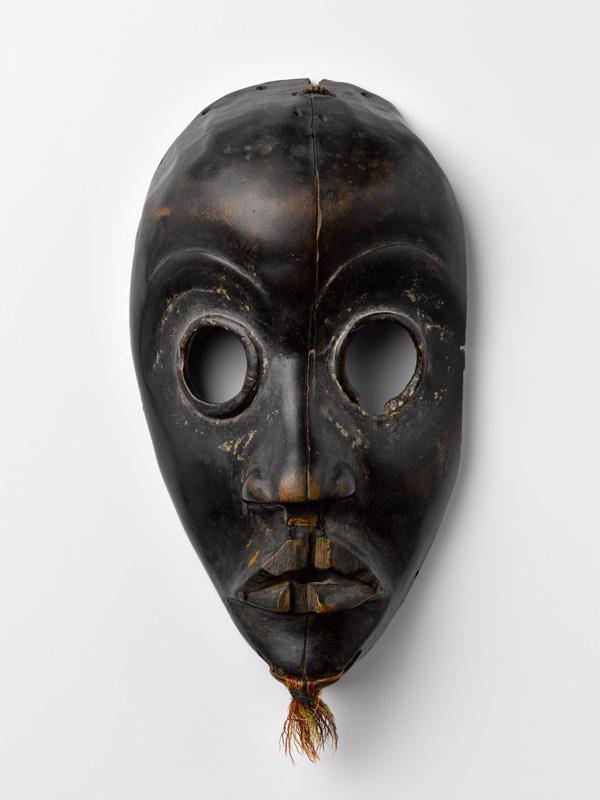 Masque, vue de face. M0920-988-1-11-a MAAOA, Marseille.