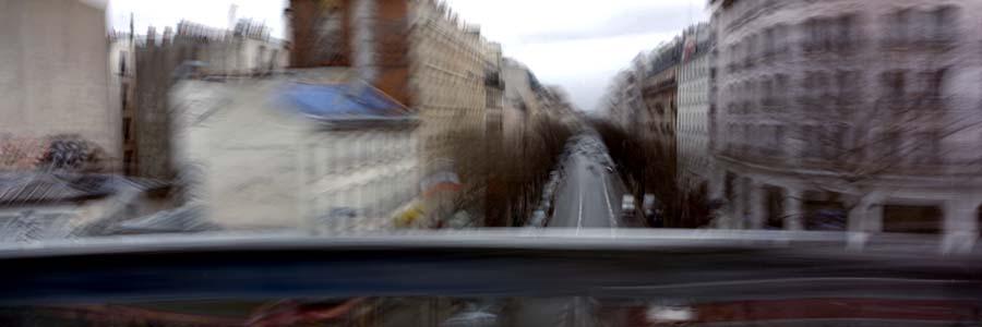 Paris, Paysages Ferroviaires 2002 Tirage photographique couleur, 60 x 180 cm Travail rŽégaliséŽ dans le cadre de la Bourse de la Ville de Paris, DéŽpartement des Arts Plastiques de la Ville de Paris.